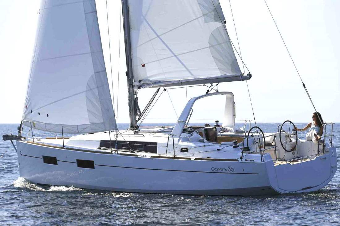 Beneteau 35, sailing boat for rent in Barcelona